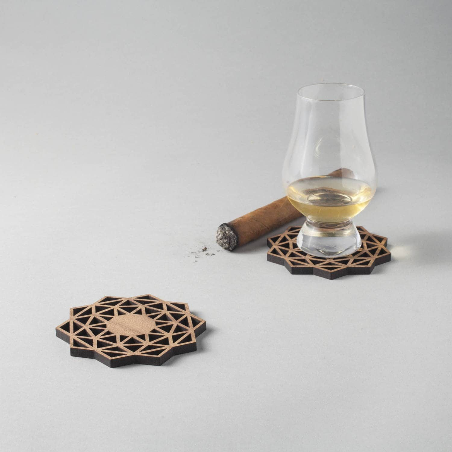 Whisky (simple) walnut drinks coasters, geometric